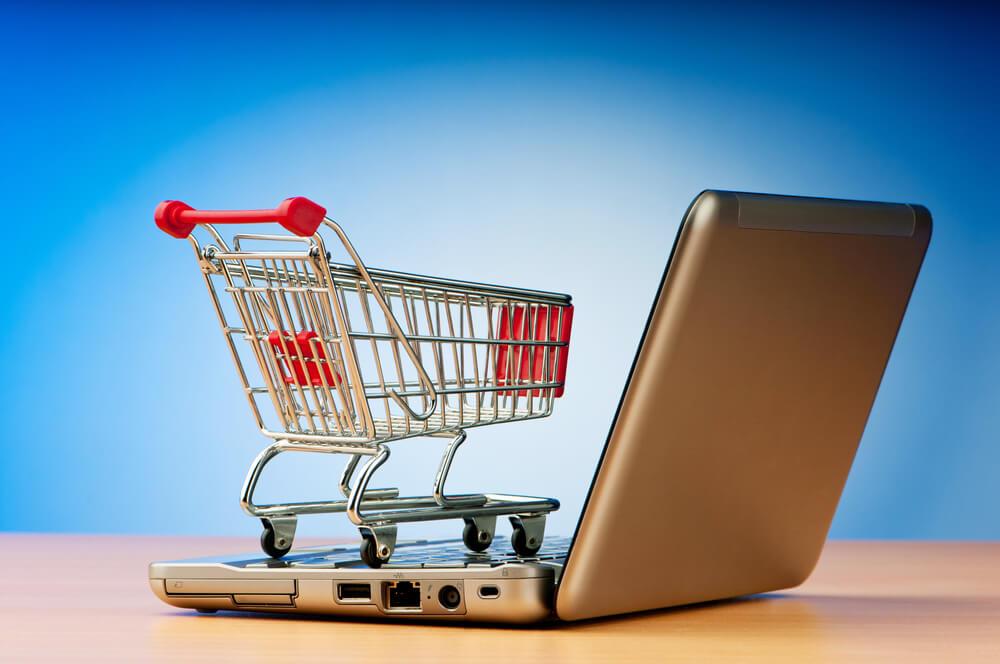 Conheça as características que diferenciam a operação de uma loja virtual de uma loja física e saiba como não errar com seu cliente e vender mais e melhor.