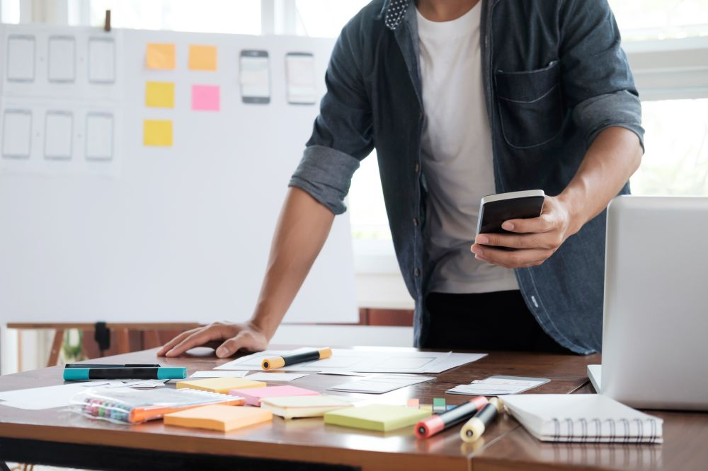 Definir um layout de aplicativo efetivo pode aumentar muito as chances de sucesso do seu projeto, confira nesse artigo algumas dicas sobre o tema.